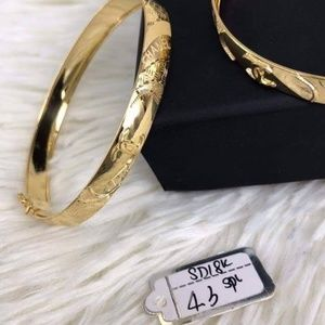 Channel 18k gold